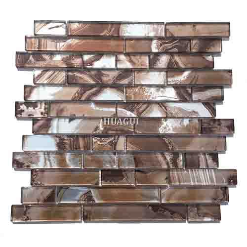 现代厨房用棕色玻璃马赛克瓷砖